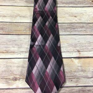 Purple van Heusen stain resistant tie